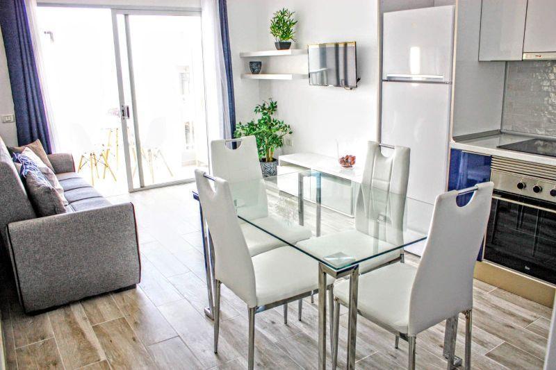 Apartamento en Venta en Las Galletas – 629-684 Las Galletas