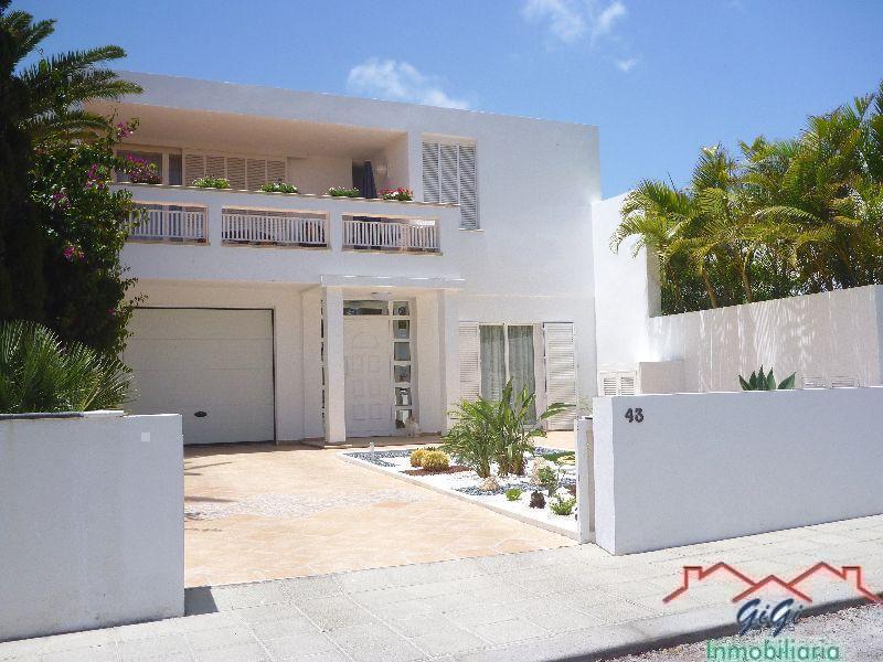 Casa en Venta en Costa del Silencio – 246-326 Bellavista