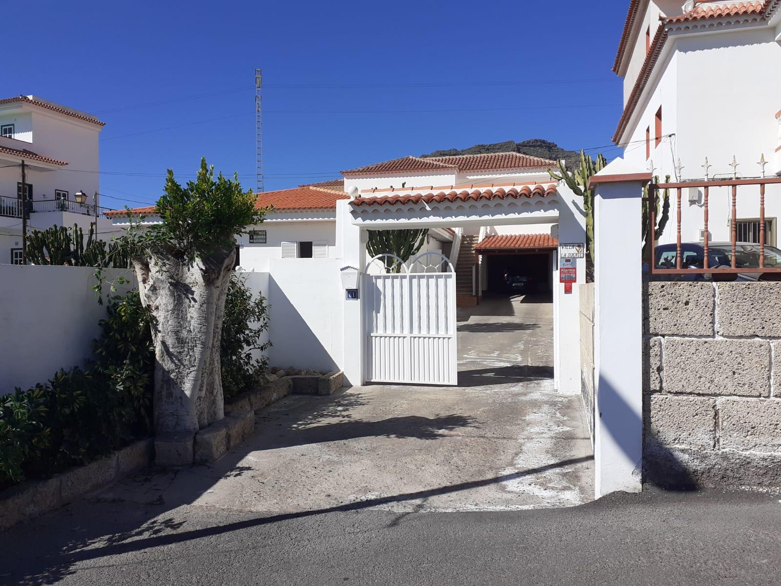 Villa en venta en Arona – FT2214