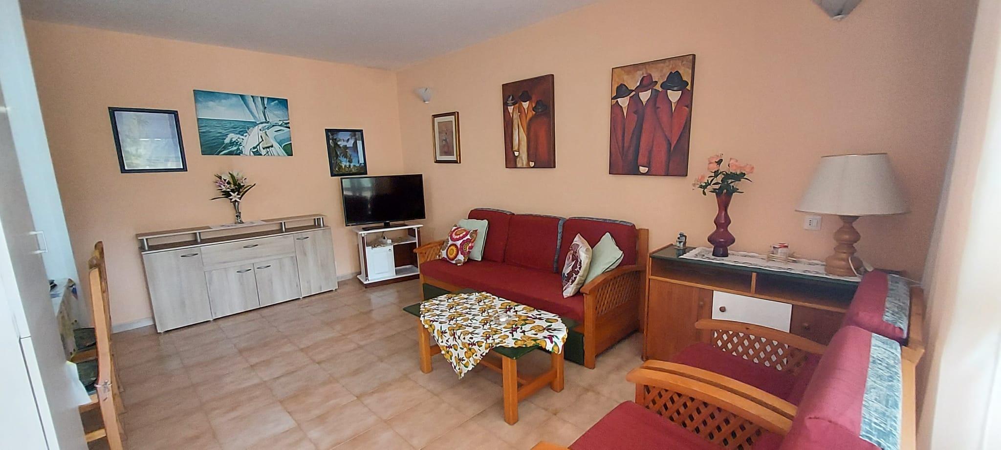 Apartamento parcialmente reformado en venta en Primavera – FT2237