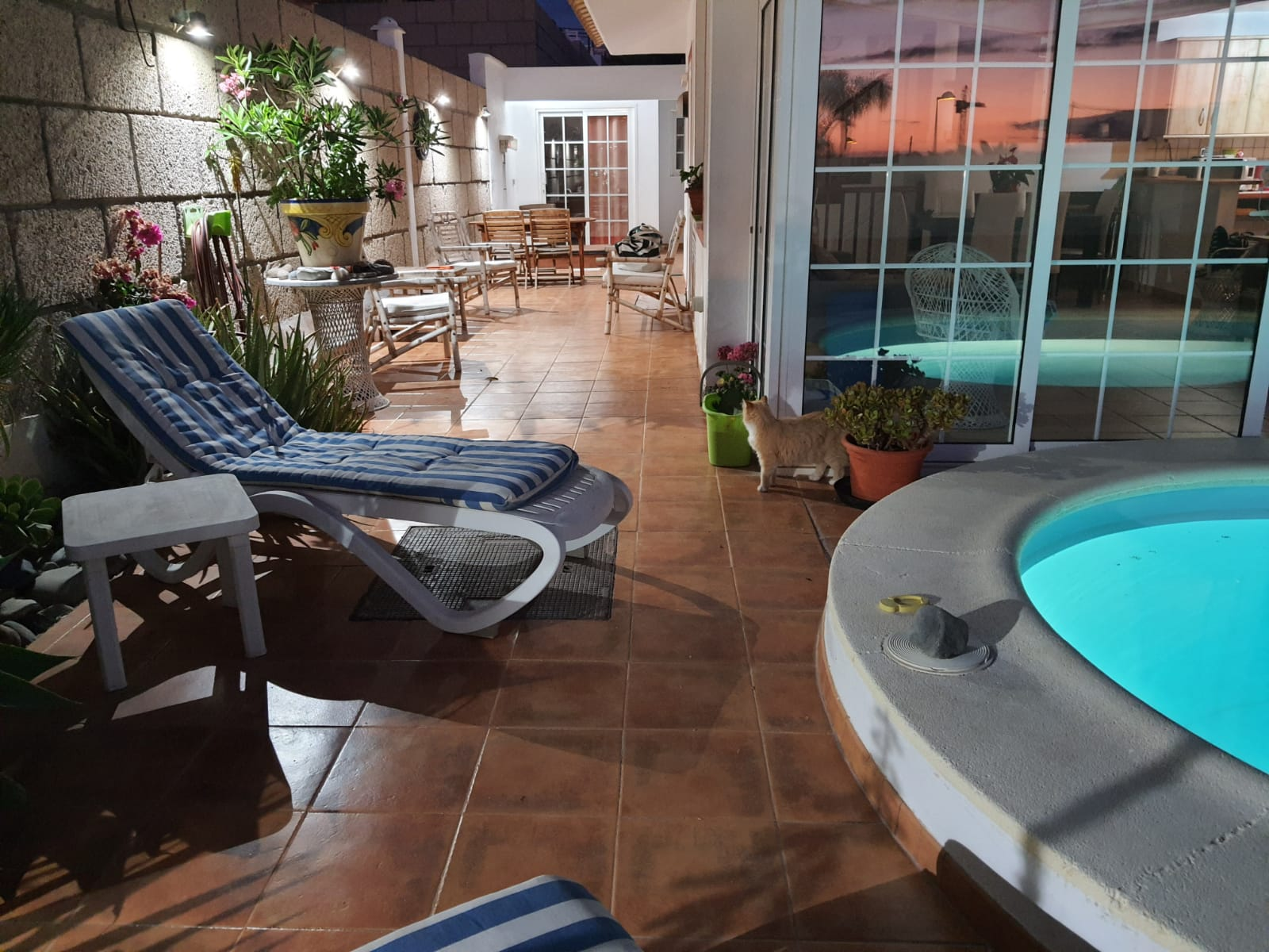 bonita casa en venta con piscina privada en pleno centro palm mar PM2028